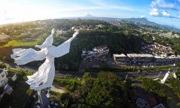 The Blessing Jesus Statue