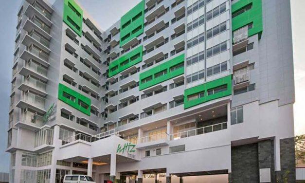 Hotel Whiz Prime Manado